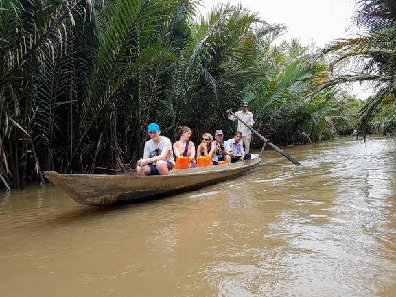 Ruderboot auf dem Kanal
