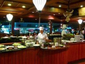 Buffet Abendessen Bonsai Cruise