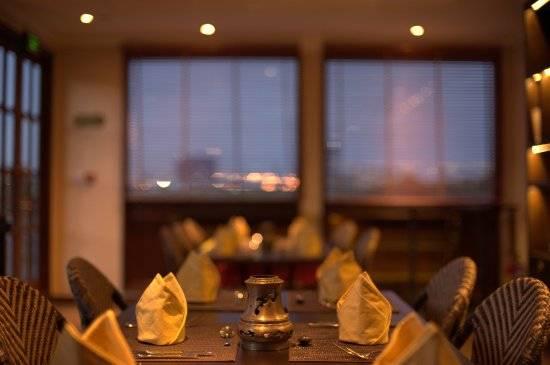 dinner-set-up bonsai cruise
