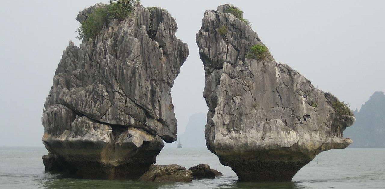 Kissing Rocks Halong Bay