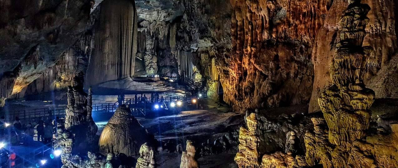Paradise cave - Unseen Vietnam Tours