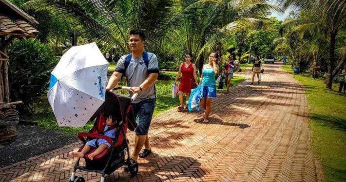 Binh Quoi Village Visitors